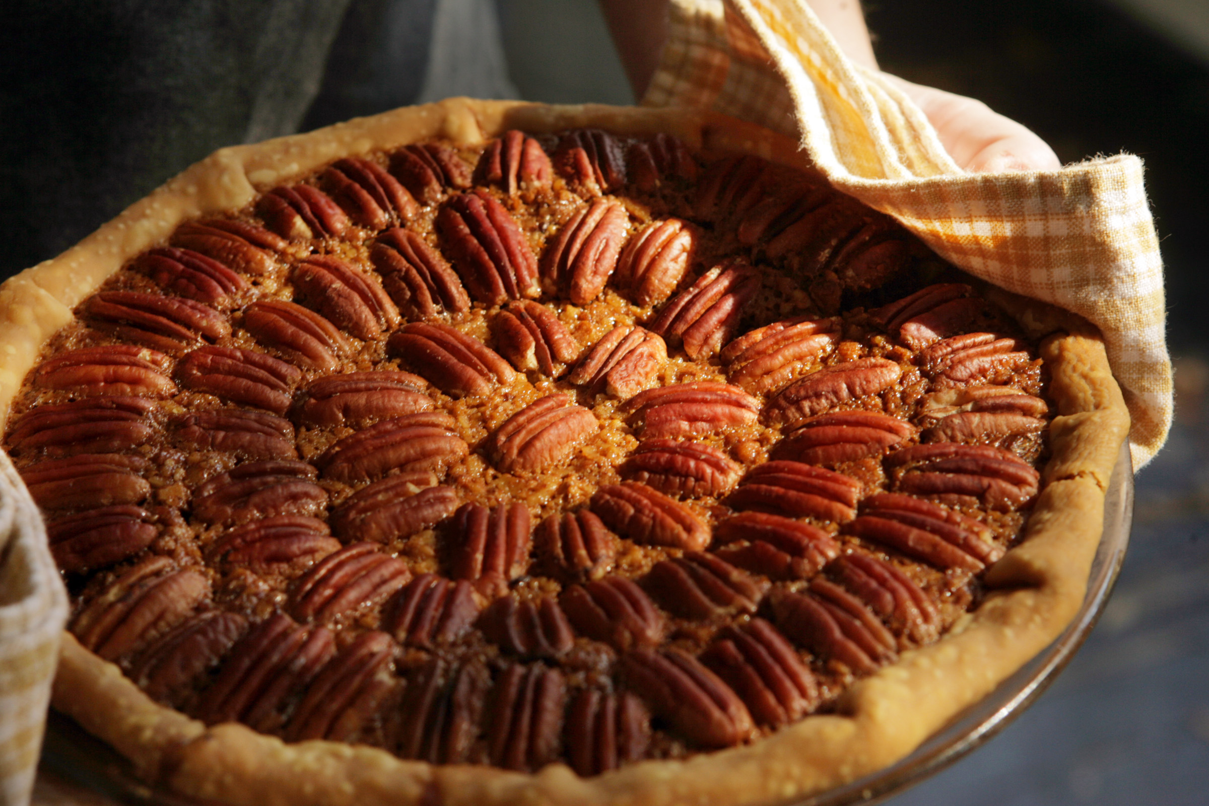 Is it OK to carry that Thanksgiving pie on the plane?