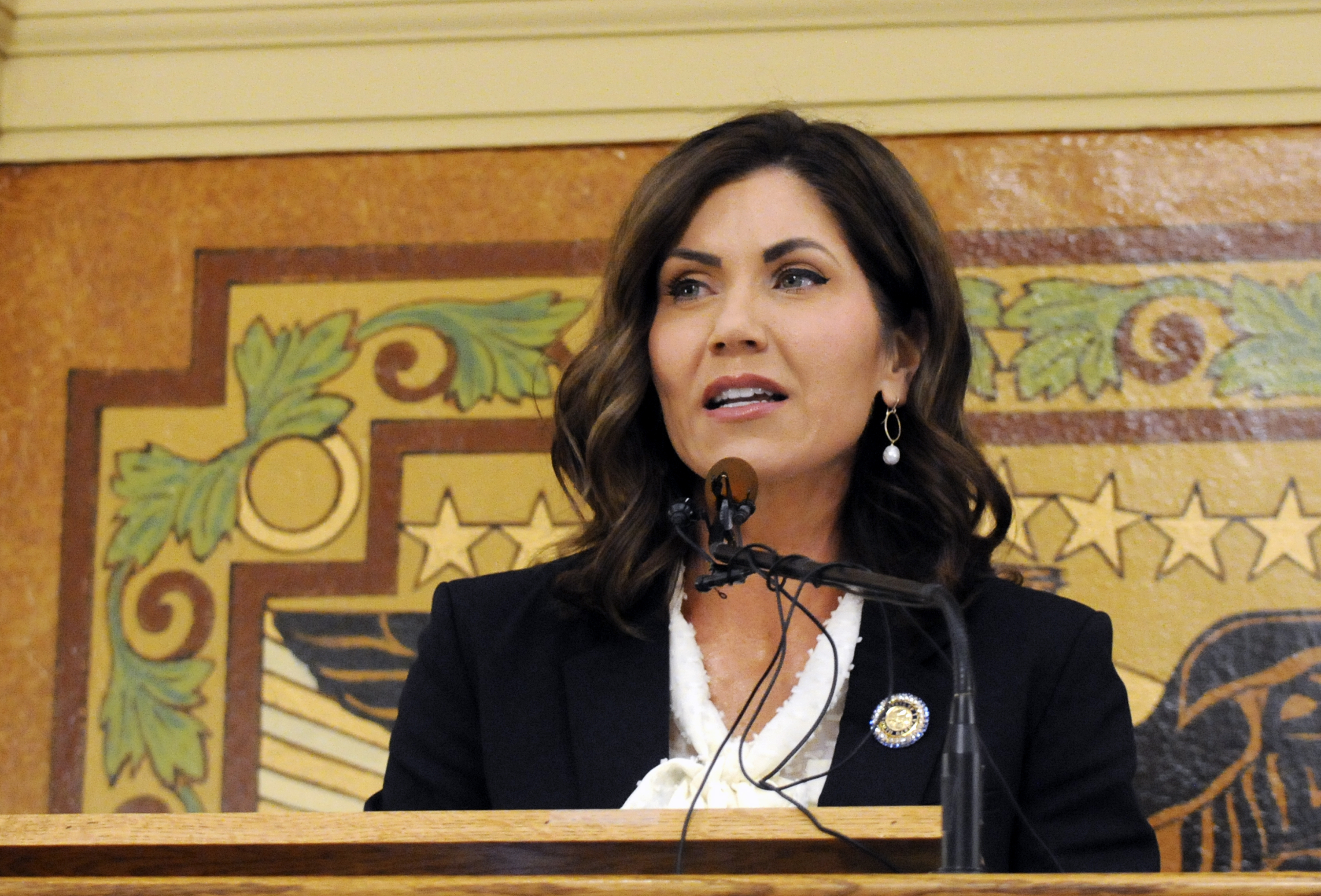 Sioux tribes clash with S. Dakota governor over...